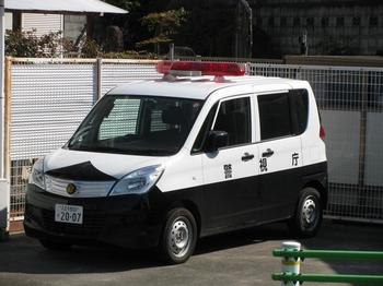警視庁 新型ソリオパトカー